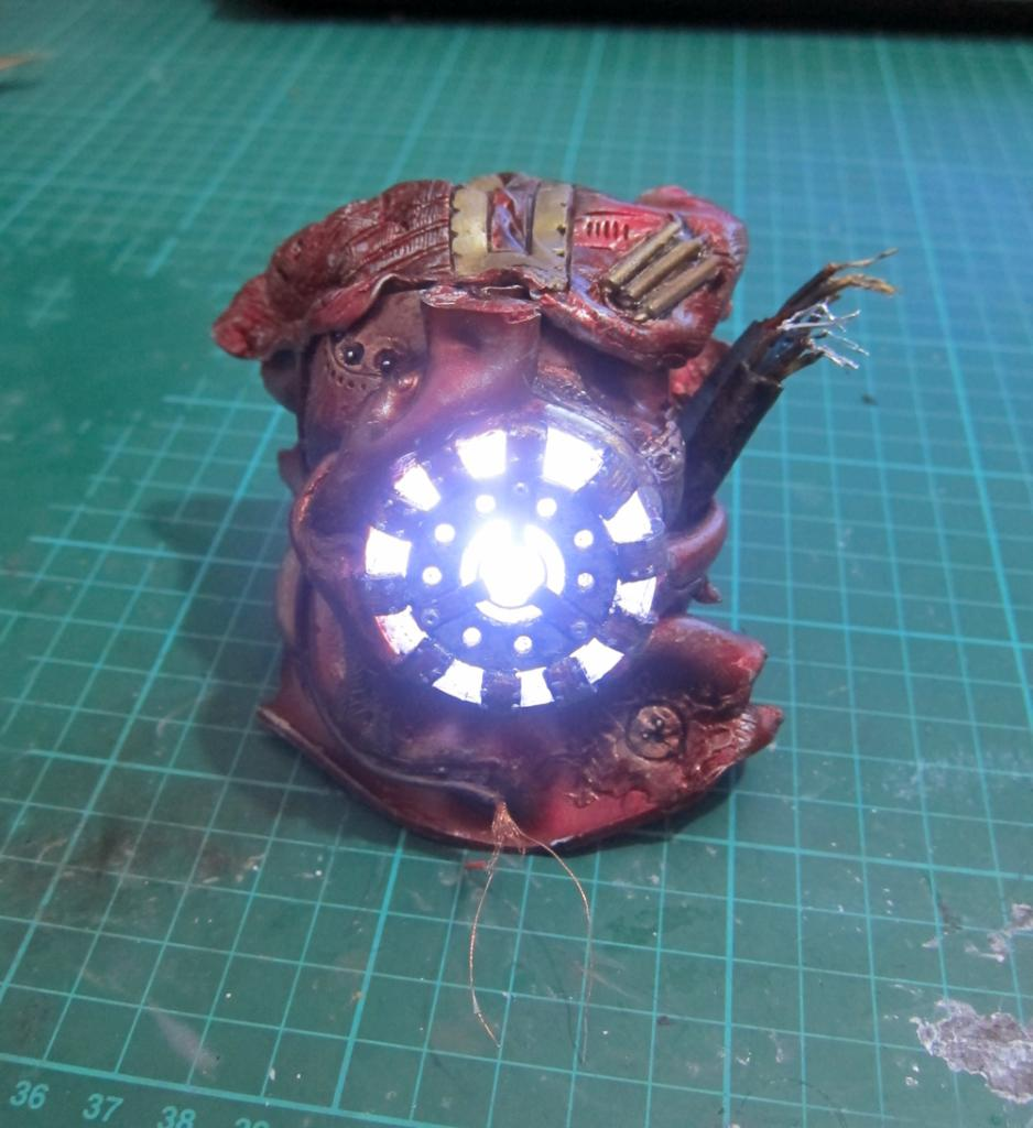 Custom Battle Damaged Hulkbuster Arc Reactor! IMG_1476_zpseq1htlda