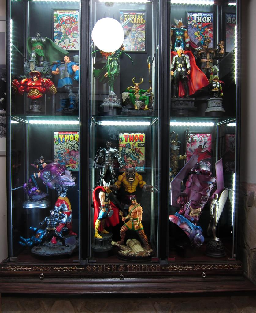 How to make a Kickass (and cost effective) Statue Display! IMG_1326copy_zps70268fac