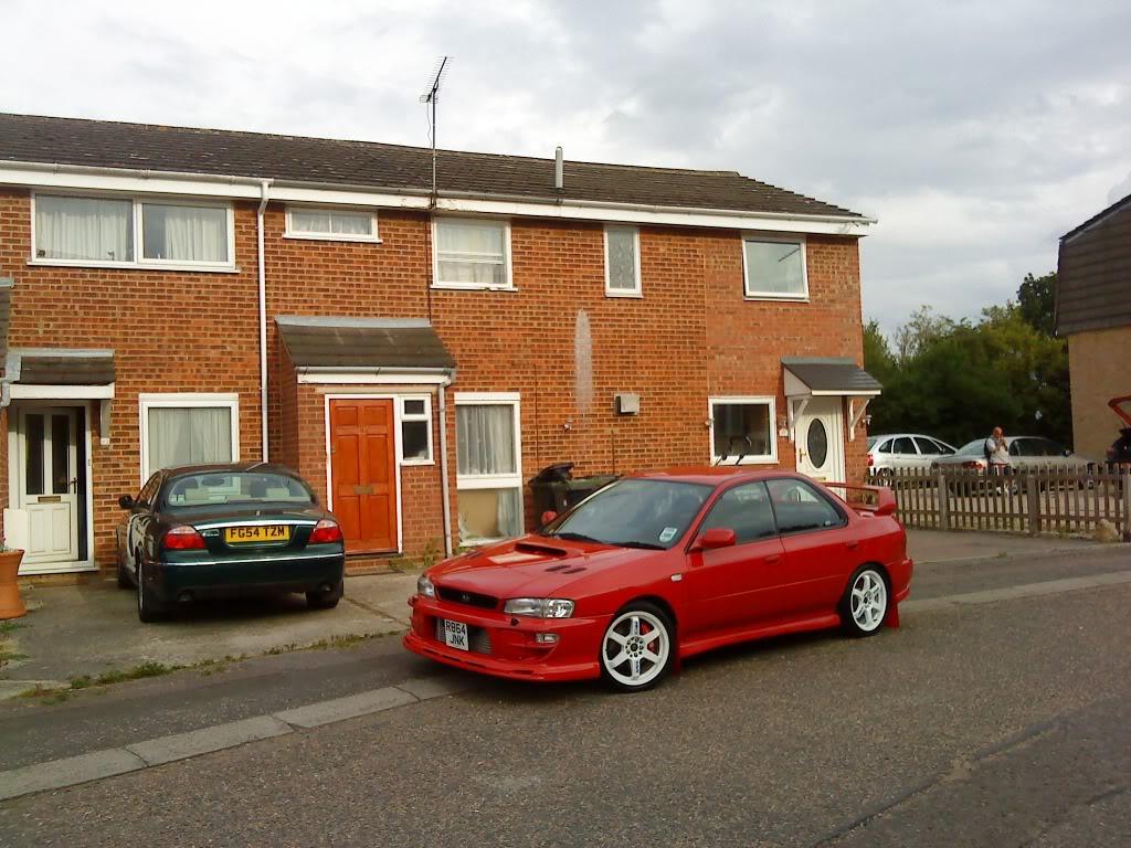 heres couple pics of my car DSC00245