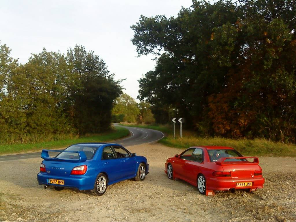 heres couple pics of my car DSC00351