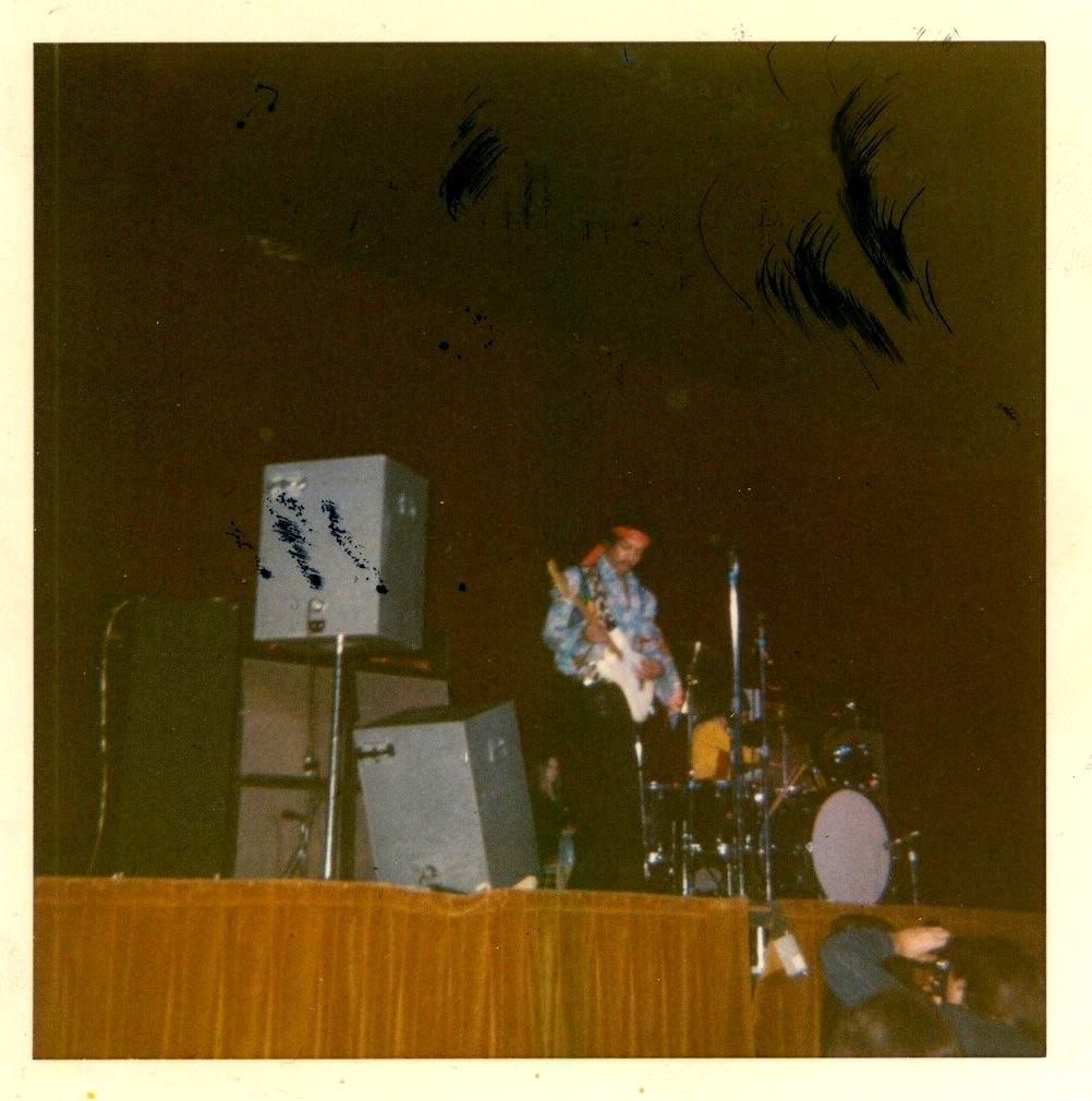 Madison (Dane County Memorial Coliseum) : 2 mai 1970   9cfed7803efeb8479fbc47ea8f29afb2