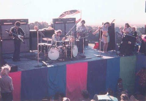 Maui (Haleakala Crater) : 30 juillet 1970 [Second concert] 900404d20aa3dc78feb6a3f8f8e497fc