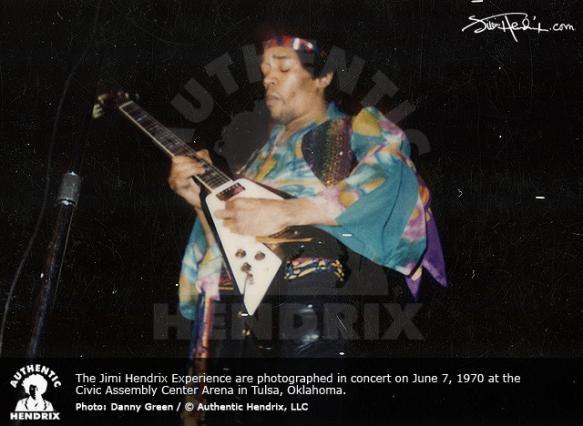 Memphis (Mid-South Coliseum) : 9 juin 1970 E301249d099712eb3d4ce20ffced4aae