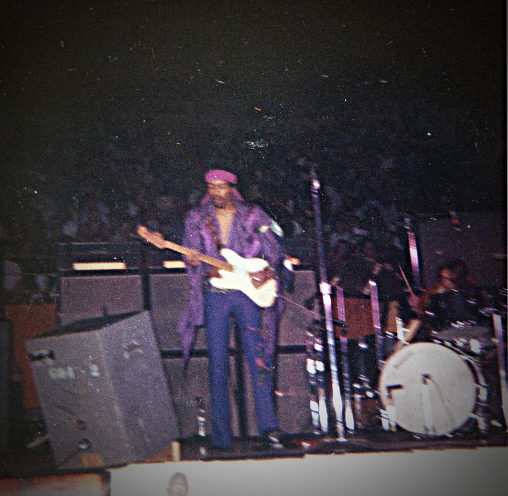 Lifelines - The L.A. Forum Concert (1990) [CD4]  - Page 2 F2e1d661d24a1814fbcca762b0125df8
