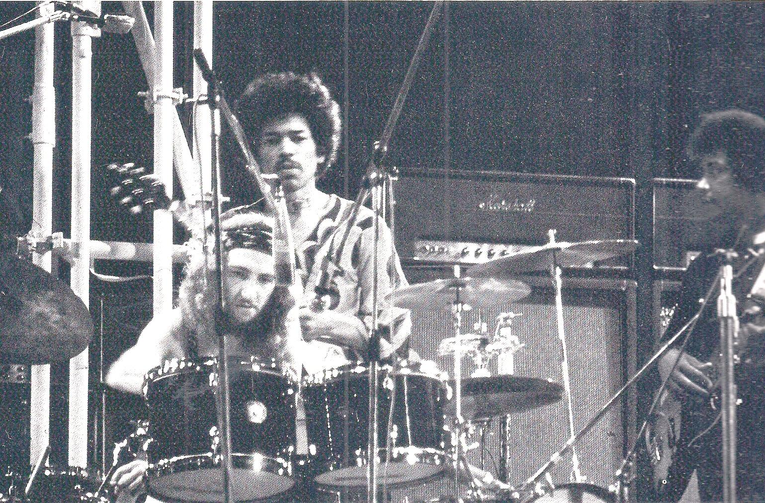 Blue Wild Angel: Jimi Hendrix Live At The Isle Of Wight (2002) - Page 2 91c9923bcf31924ddf0ad67acfdb289e