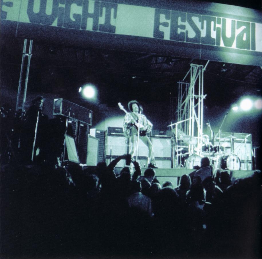 Blue Wild Angel: Jimi Hendrix Live At The Isle Of Wight (2002) - Page 2 158ba064653caa9927d64f4a84985da6