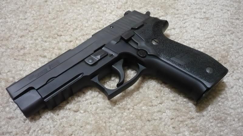 Si vous ne pouviez avoir qu'une seule arme de poing P1020684
