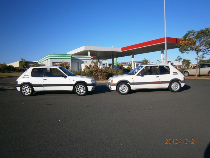 My other car lol 205 gti and my 207 gti next to it.. 001-5