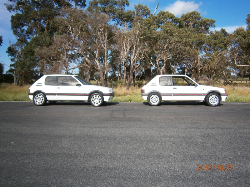 My other car lol 205 gti and my 207 gti next to it.. 033