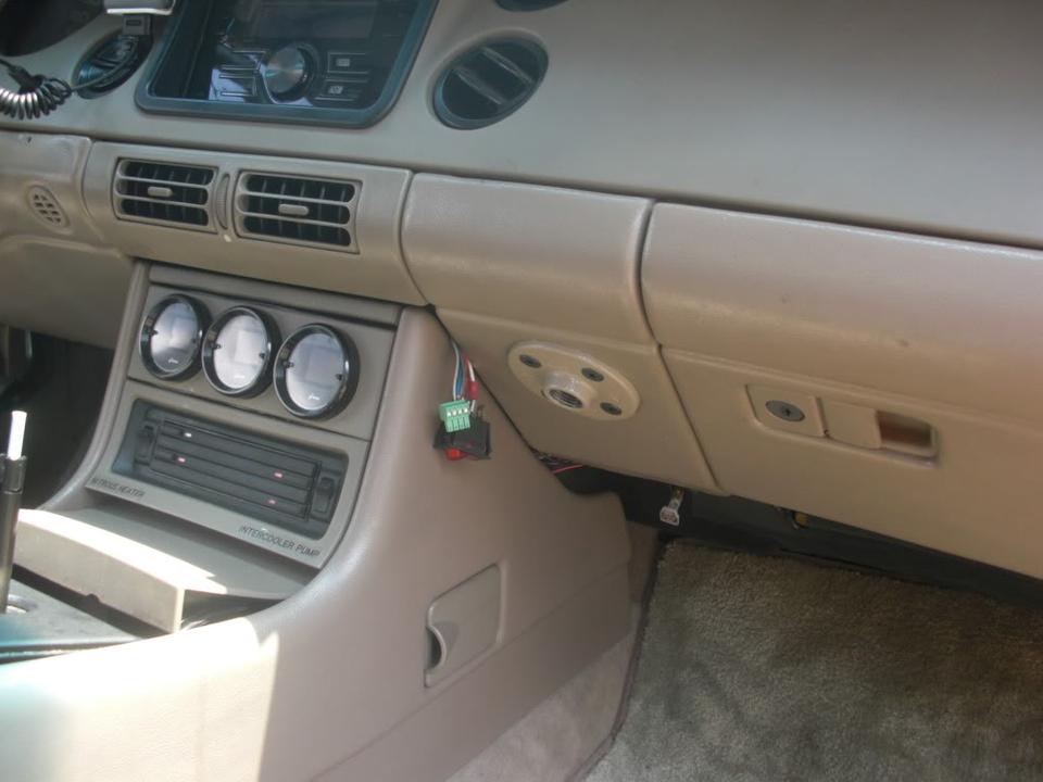 Laptop car mount for Riviera CIMG4428