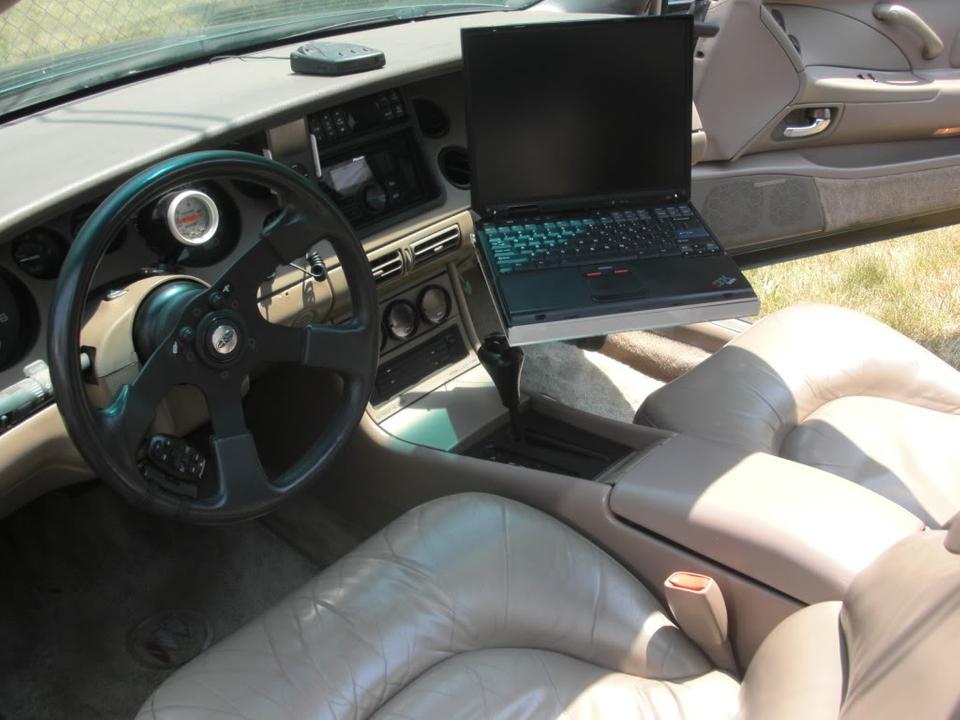 Laptop car mount for Riviera CIMG4430
