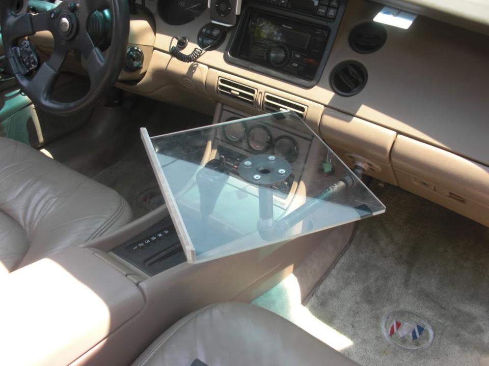 Laptop car mount for Riviera CIMG4431