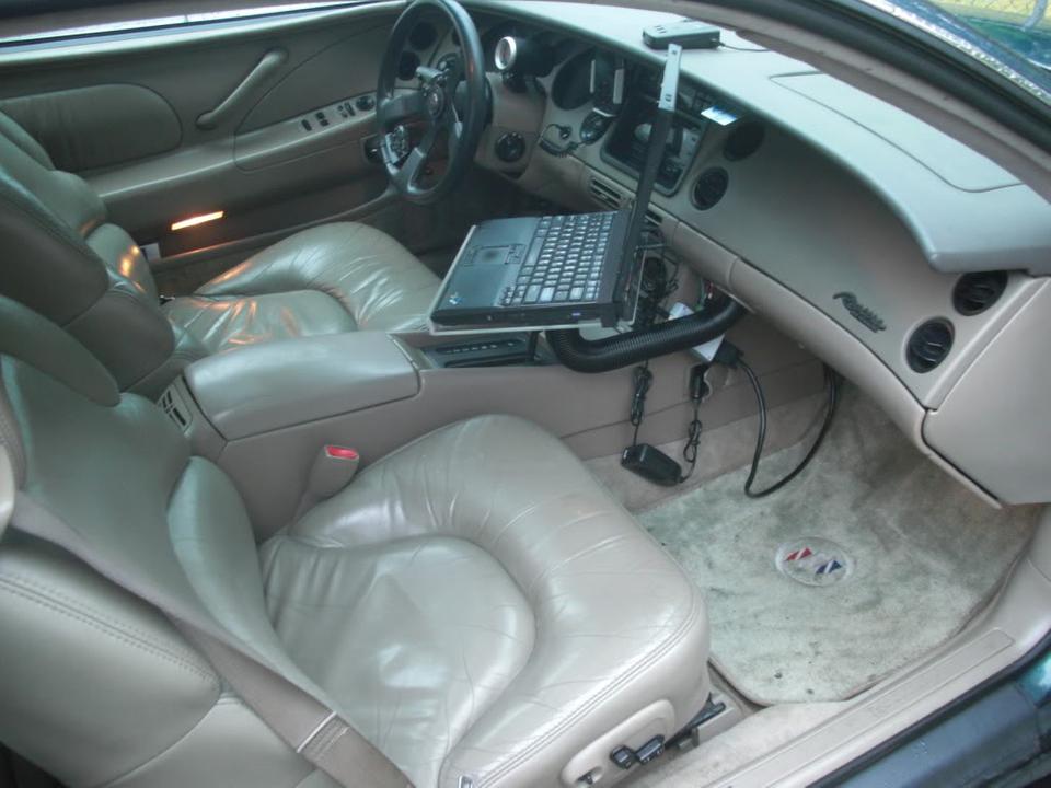 Laptop car mount for Riviera CIMG4433