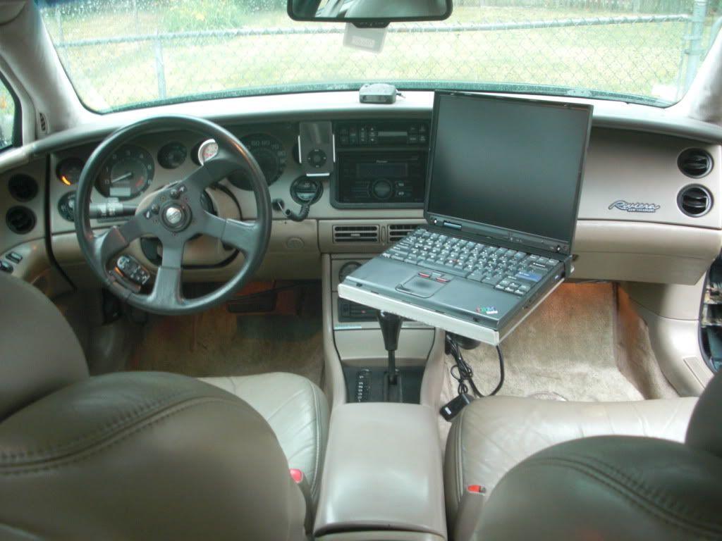 Laptop car mount for Riviera CIMG4436