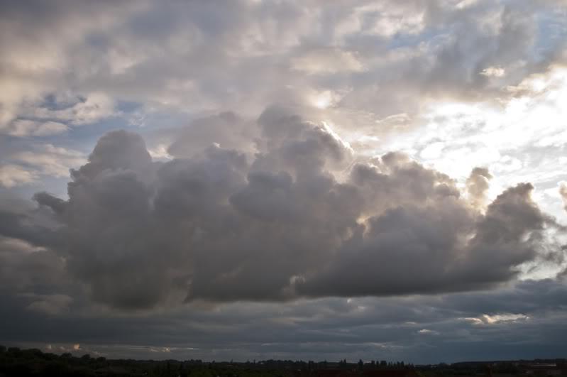 Tuesday 8th June, sharp showers across Midlands DSC_0005