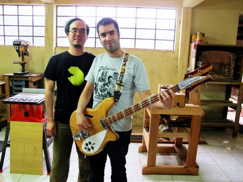 "Review - Renatobacker 4005, luthier Daniel ""Japeta"". 165462_4981469810383_1333410425_n_zps4730521b"