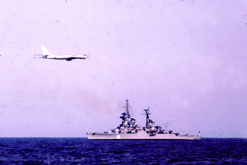 Lực lượng hải quân Xô Viết 46_Sverdlov_Bear_bomber_April_751