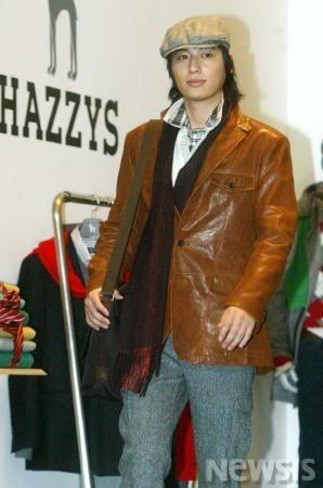Lee Jee Hoon Fashion Show Catwalk 2006-06-01T192757Z_01_NOOTR_NISI-1