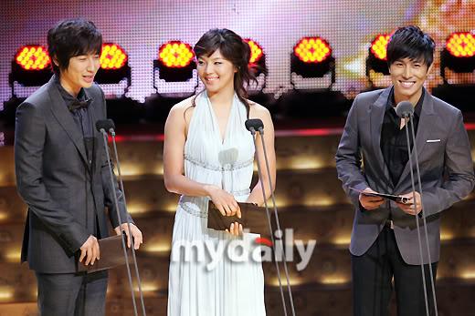 Presenting KBS Drama Awards 14 Oct 2008 - Jee Hoon's cut 200810141912521115_1
