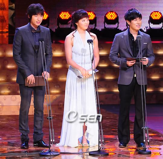 Presenting KBS Drama Awards 14 Oct 2008 - Jee Hoon's cut 200810141915352100_1