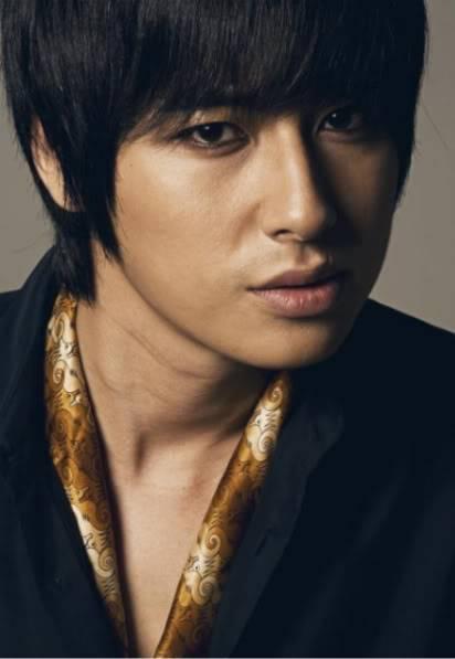 """Lee Jee Hoon """"MovieWeek"""" (2008.8.21~8.27) JH_ham1"""