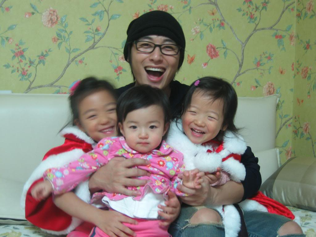 Lee Jee Hoon & Family Photos Img_051230_1