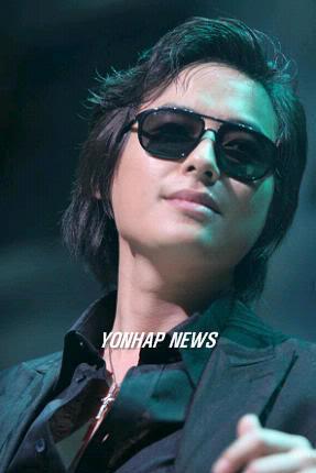 Collection of Jee Hoon's Pics E193fe2e8391d0_full