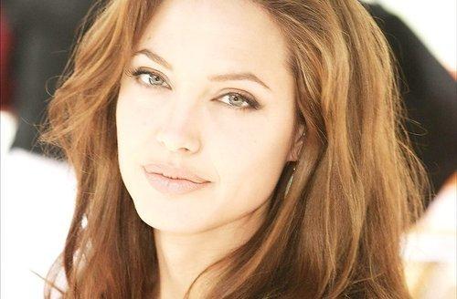 Angelina Jolie / ანჯელინა ჯოლი Ca9312e14db17c88ea94e8e9757ce816