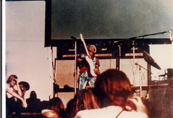 San José (Santa Clara County Fairgrounds) : 25 mai 1969 4957c9082bf9d1765dac853363ddc930