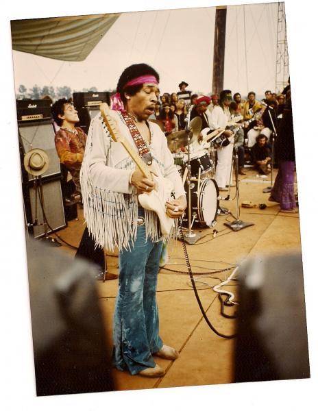 Live At Woodstock (1999) - Page 2 5b26189397f05f87b534e8af944e2832