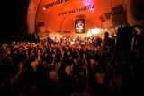 Yoyogi Park free live (09.27.2012) Th_SCAW004