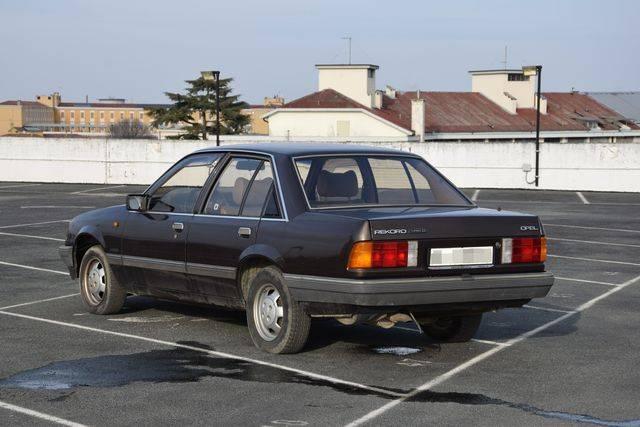 Rekord E2 Turbo D DSC_0018_zpsojmkunzc