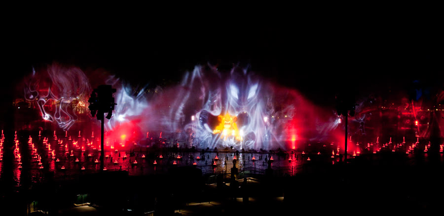 [Disney California Adventure] Le show nocturne World of Color (11 juin 2010) - Page 3 Lkwoc