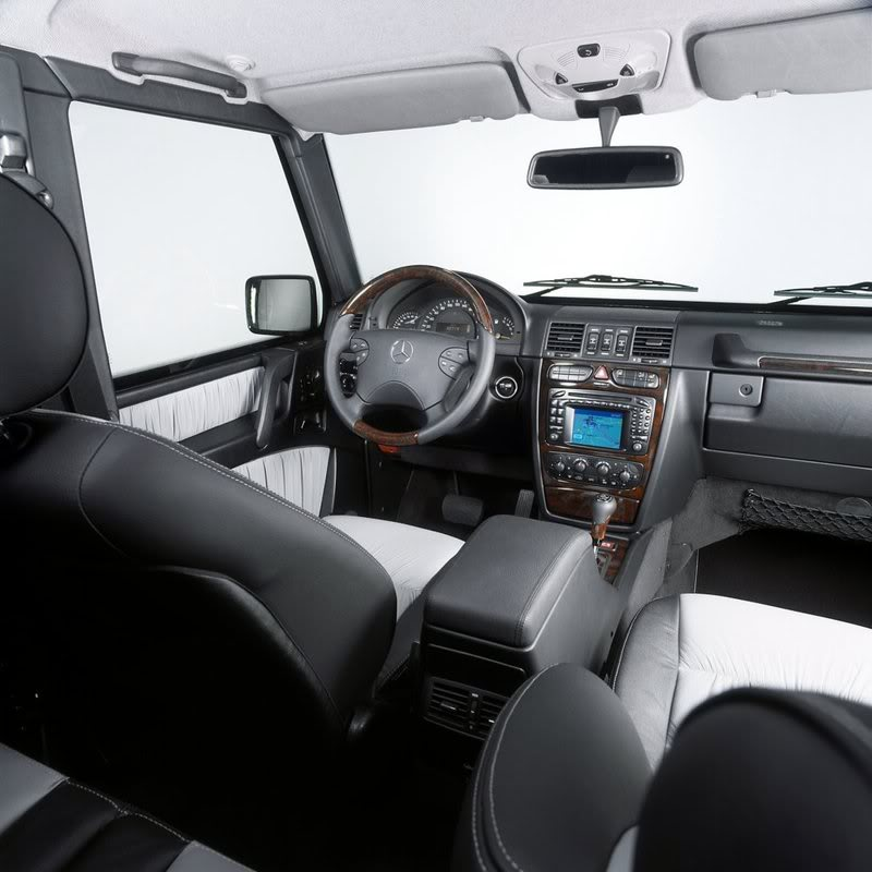 Sistem keamanan Mobil Presiden Kita Mercedes-benz-g-guard-interior-1