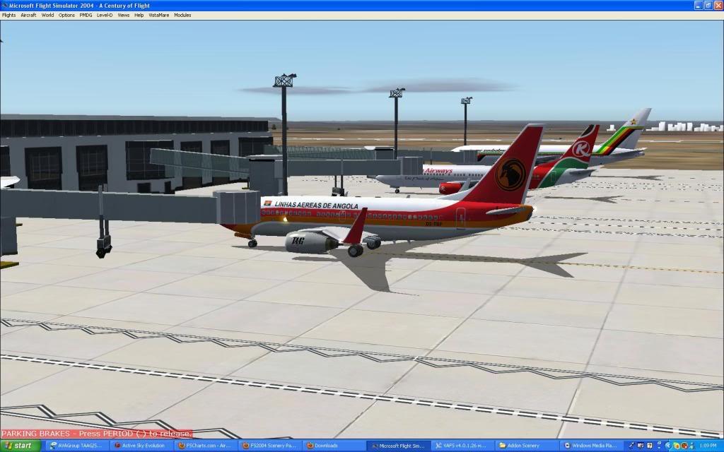 Taag 737-700w Screen35-1