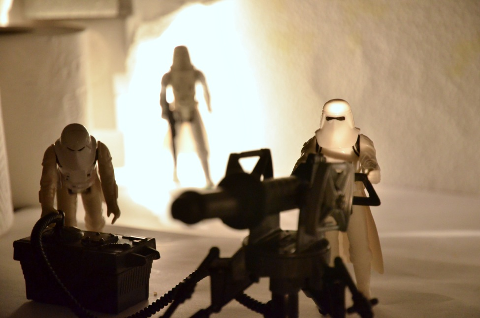 Star Wars Figures in Action!!: Overview On Page 1 - Page 8 Snowtrooper11_zps5b1b6b49