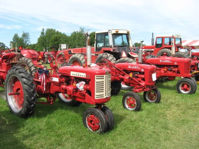 Tractor Show Pics IMG_1625