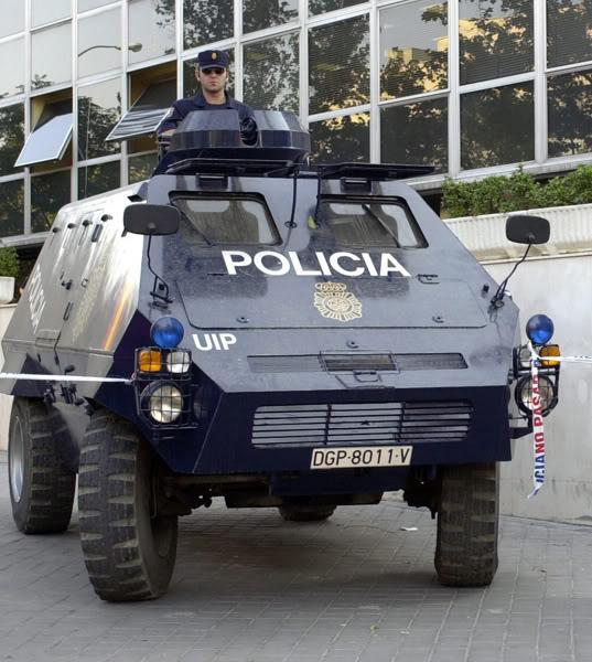 قوات مكافحة الشغب Unimog1