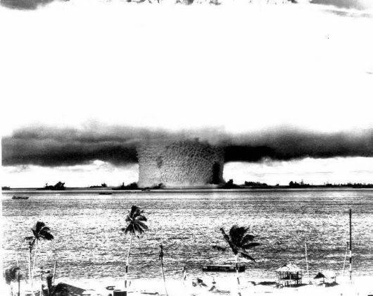10 Nuclear Bomb Explosions Pictures!! Nuclear_bomb_expo_03