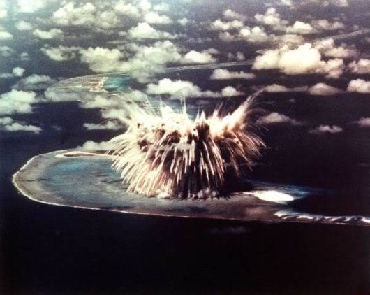 10 Nuclear Bomb Explosions Pictures!! Nuclear_bomb_expo_07