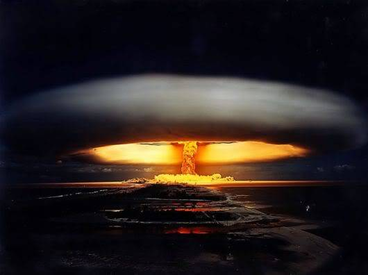 10 Nuclear Bomb Explosions Pictures!! Nuclear_bomb_expo_08