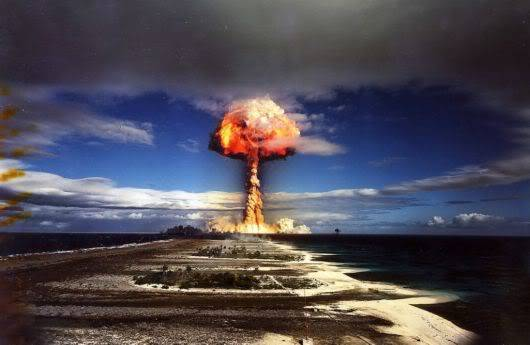 10 Nuclear Bomb Explosions Pictures!! Nuclear_bomb_expo_10