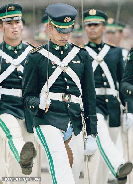 Ảnh vui quân sự P001