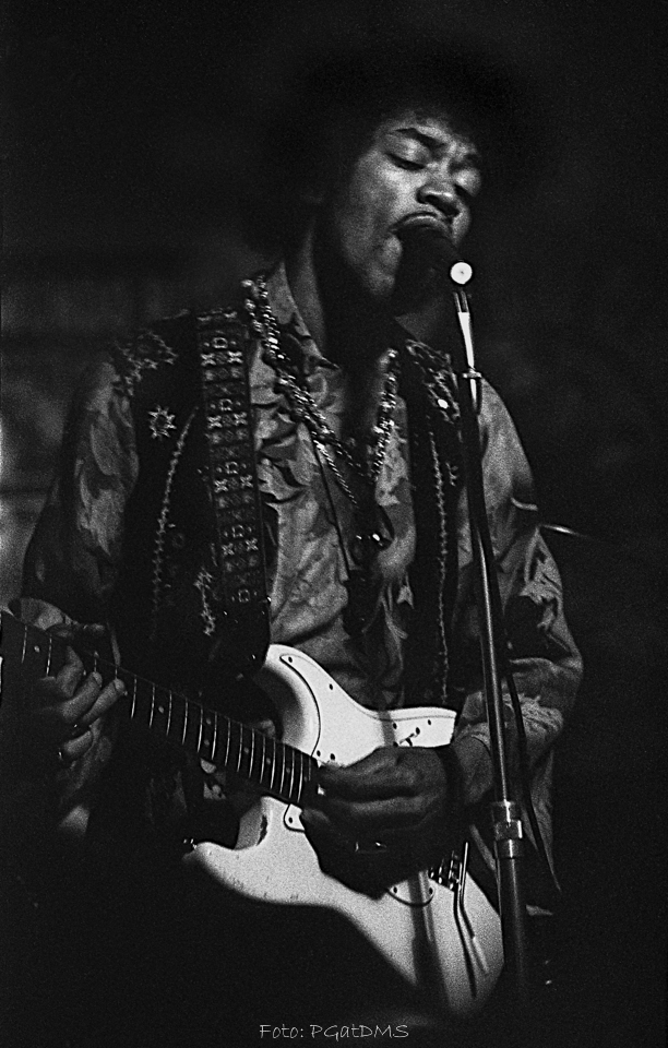 Hogbo (Popladan) : 8 septembre 1967 [Second concert]  E894e3eb82692df10d347f6d178dfa3c