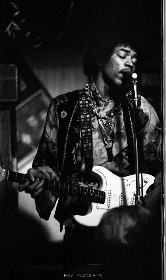 Hogbo (Popladan) : 8 septembre 1967 [Second concert]  32f61f72efb3aec13f479ea20d96c19c