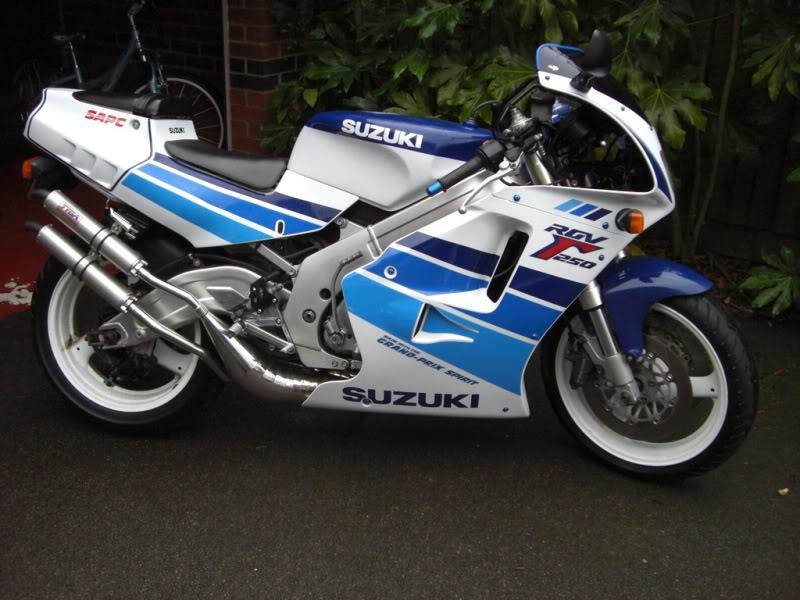 Suzuki 250 RGV CIMG0621