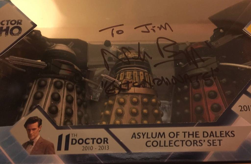 Doctor Who Celebrity Autographs and Photo Ops - Page 2 7AA29828-2D1B-4CEA-A618-B5DAA1E7611E_zpsapjx3jpt