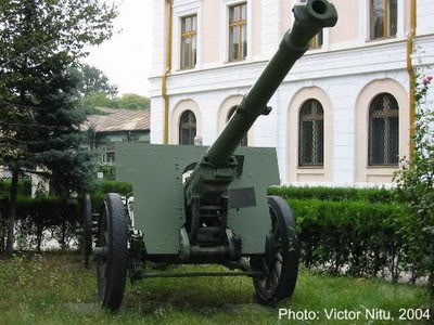 Bộ sưu tập vũ khí của VN trong 2 cuộc kháng chiến 105mm_mle1936