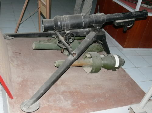 Bộ sưu tập vũ khí của VN trong 2 cuộc kháng chiến SKZ_05