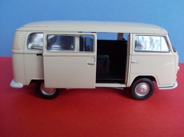 VW Kombi T2 escala 1/38 da Welly KombiT2WellyMedio5